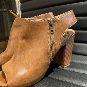 🥳Tan Booties / Sandals